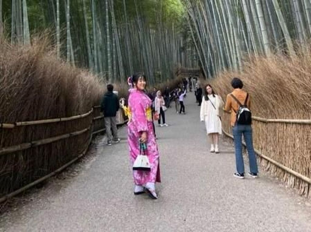 Jalan-Jalan Kelilingi Musim Gugur di Kyoto