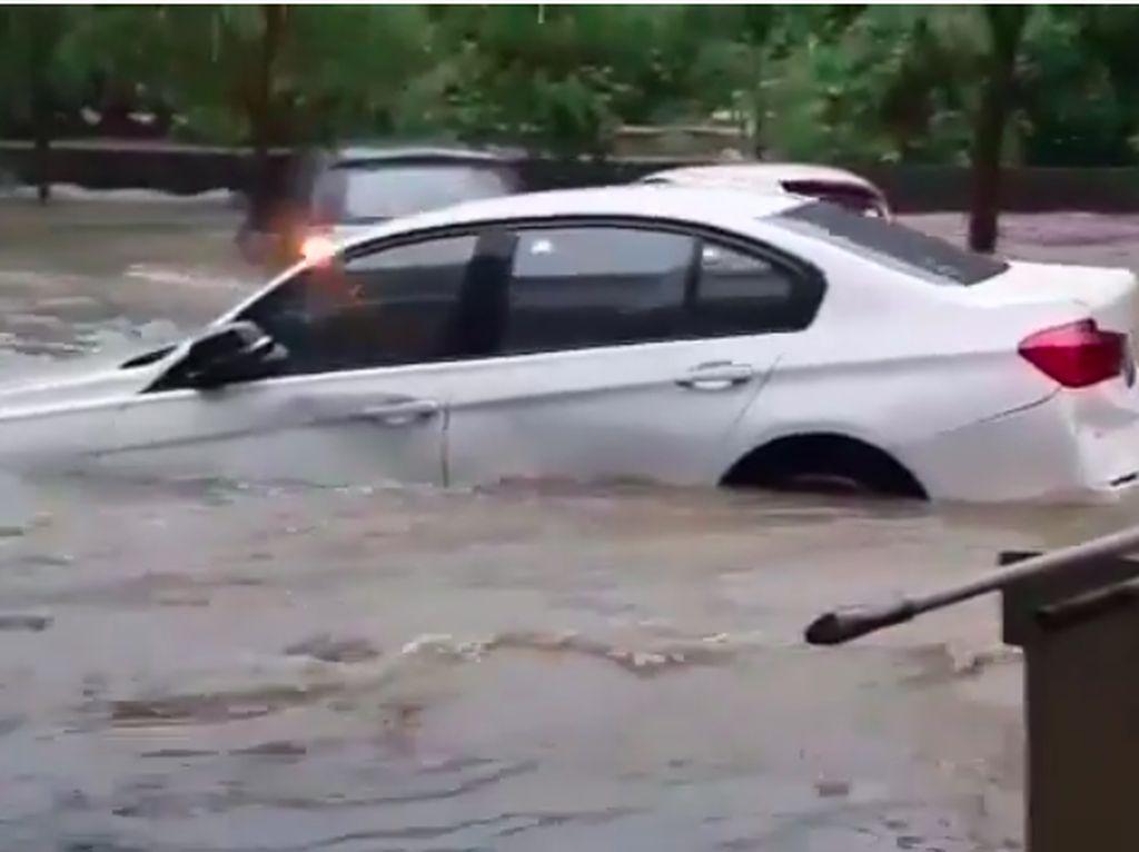 BMW Siap Jemput Mobil yang Terkena Banjir