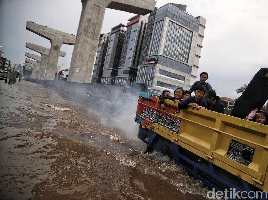 Dampak Mematikan Hipotermia pada Korban Banjir dan Cara Mengatasinya