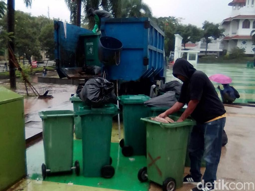 Usai Perayaan Tahun Baru, Volume Sampah di Cianjur Capai 200 Ton