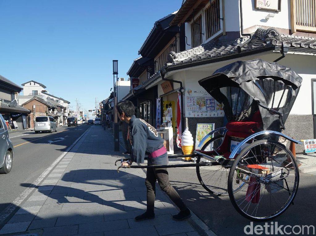 Ini Rasanya Naik Becak Manusia di Jepang