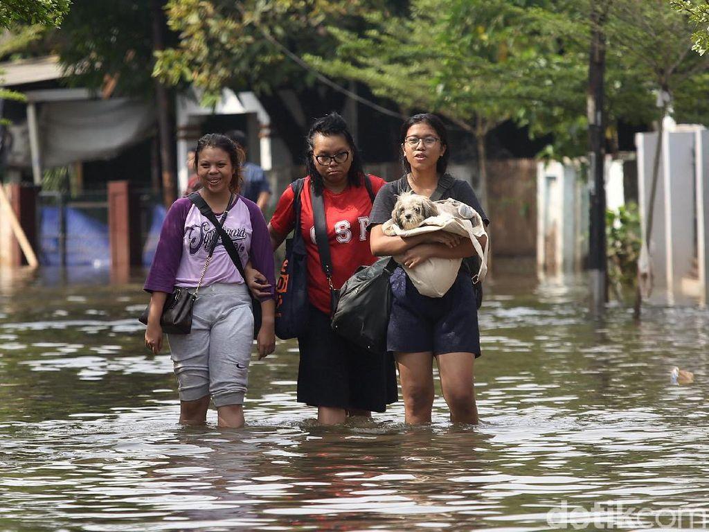 Hipotermia Ancam Nyawa Korban Banjir, Orang-orang Ini Rentan Mengalaminya