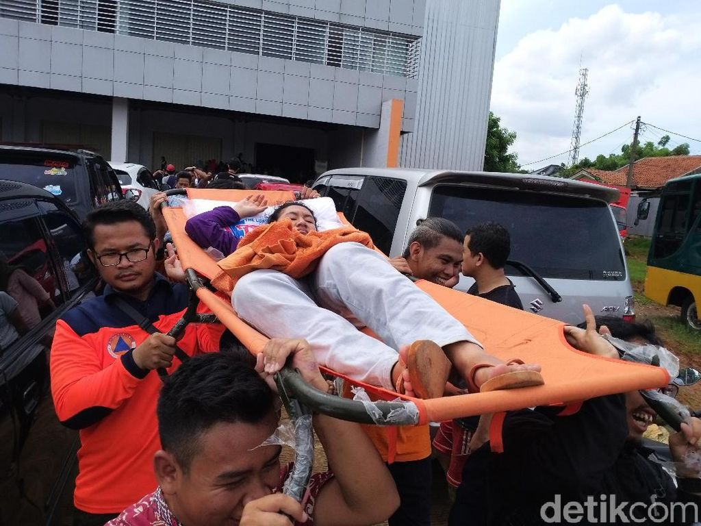Kemenkes Sebut 18 Orang Meninggal Saat Banjir, Hipotermia hingga Tersetrum