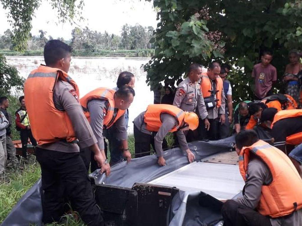 Perahu Motor Tabrak Kayu di Sungai Karama, 3 Warga Mamuju Hilang