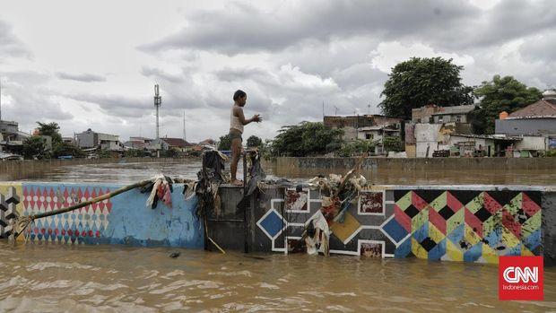 243 Korban Banjir DKI Gugat Anies Rp42 Miliar ke PN Jakpus