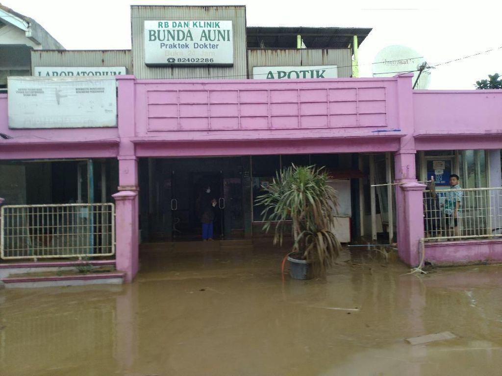 Bupati Bogor Tinjau Banjir Vila Nusa Indah