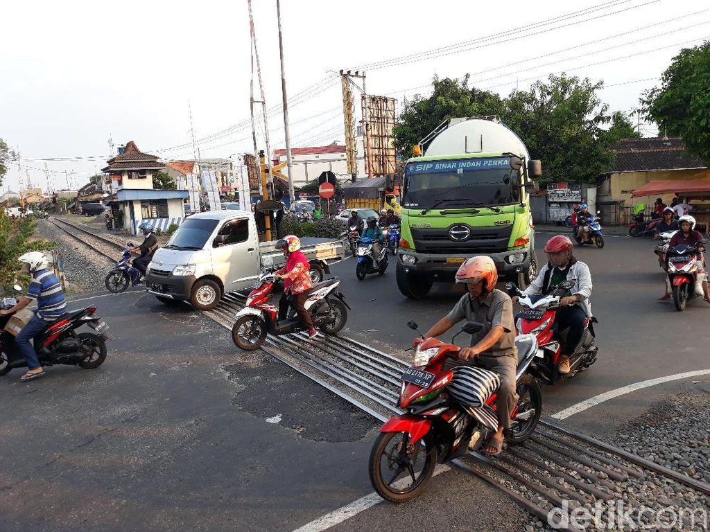 KA Bandara Solo Berpotensi Bikin Perlintasan Joglo Makin Macet