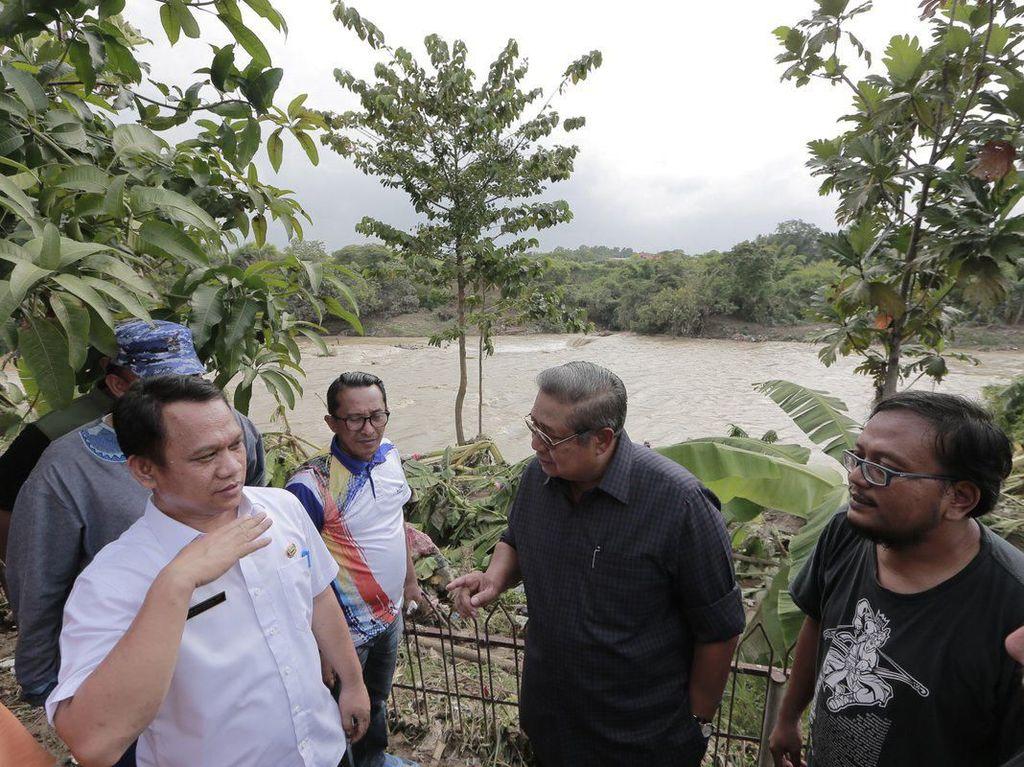 SBY Temui Korban Banjir Ciangsana, Imbau Warga Minta Pemerintah Buat Tanggul
