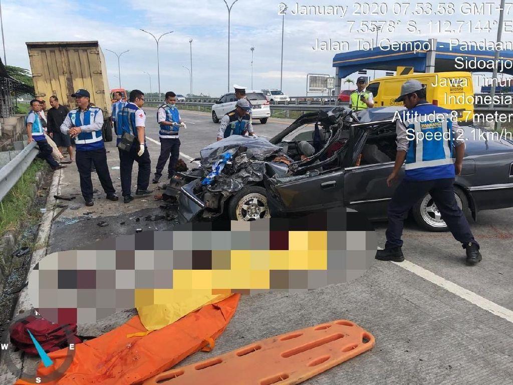 Detik-detik Kecelakaan di Tol Pandaan-Gempol yang Tewaskan 3 Orang