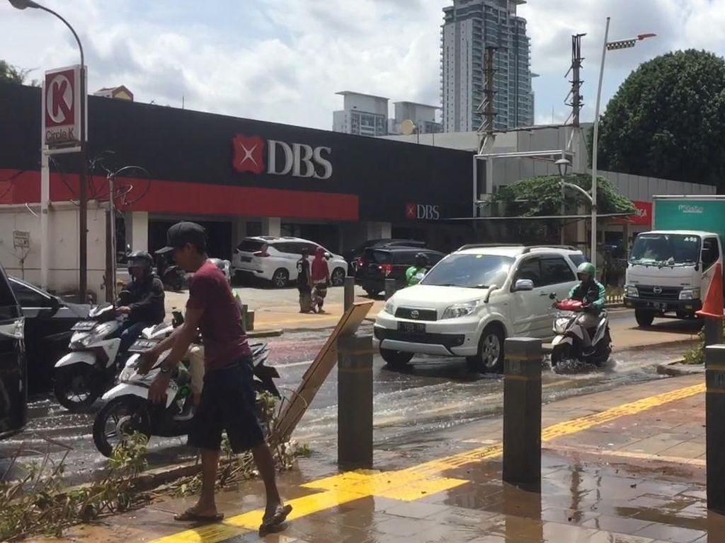 Banjir Berlalu, Kawasan Kemang Mulai Pulih
