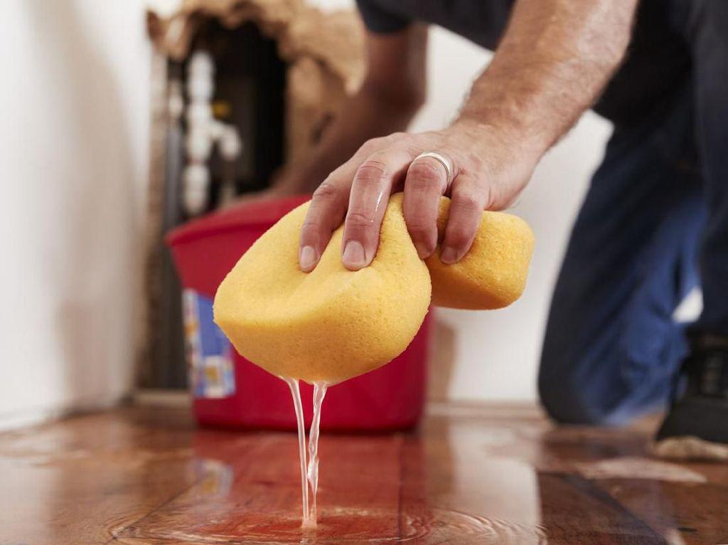 Berapa Biaya Cleaning Service untuk Bersih-bersih Rumah Pascabanjir?