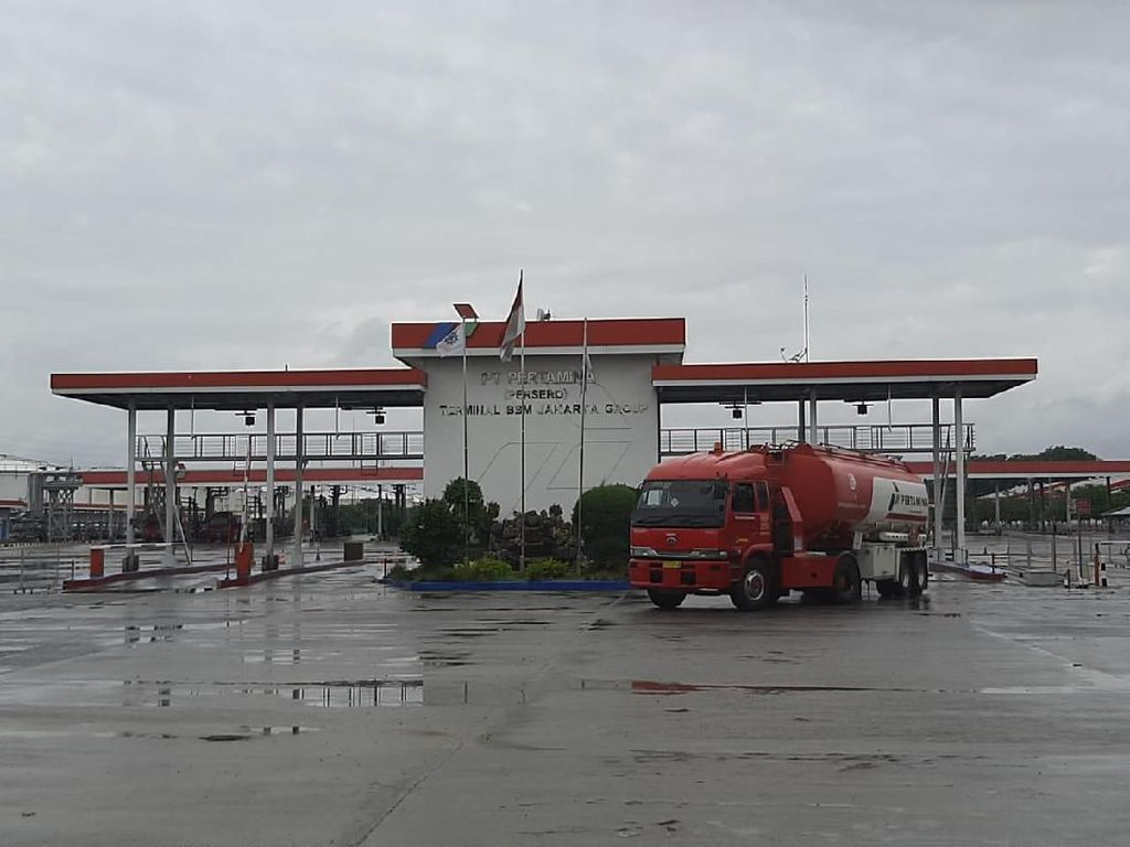 Banjir Jabodetabek, Pasokan BBM Aman & Ini Daftar SPBU Tutup Sementara