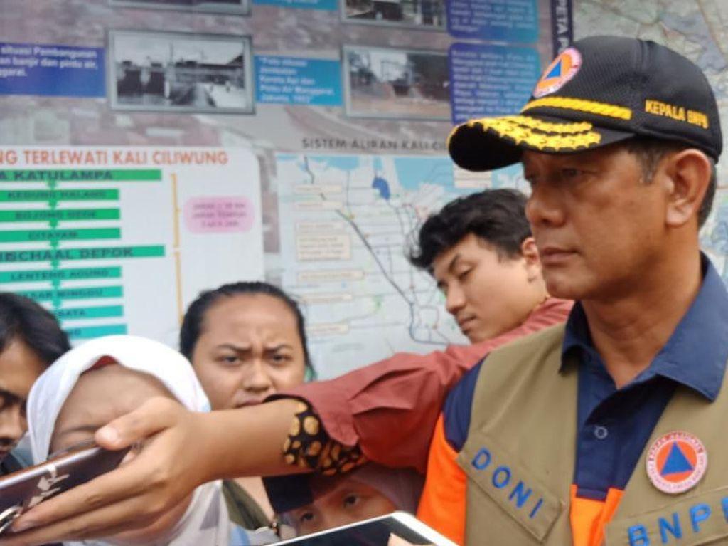 BNPB Minta Warga Tak Ragu Mengungsi Saat Banjir: Harta Dijaga TNI-Polri