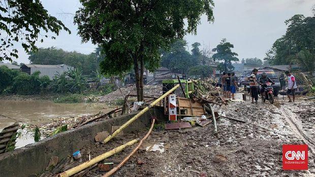 Banjir Tahun Baru di Jabar, 7 Tewas dan 4 Hilang