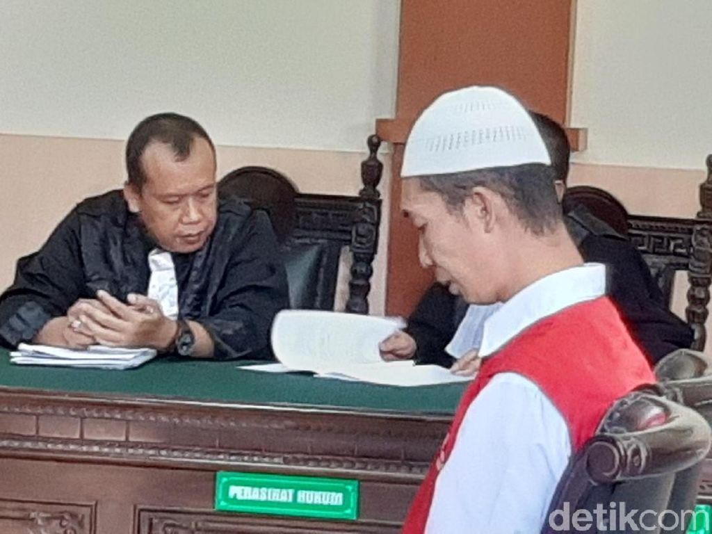 Video: Deni Pemutilasi Wanita PNS Bandung Divonis Mati!