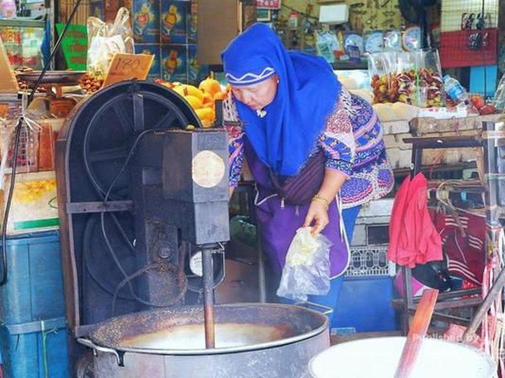 Melihat Kehidupan Muslim di Thailand