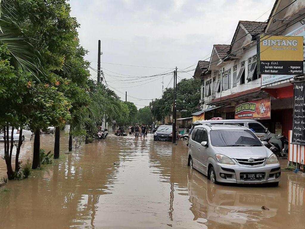 Perumahan di Jatiasih Bekasi Masih Terendam Banjir, Listrik Padam