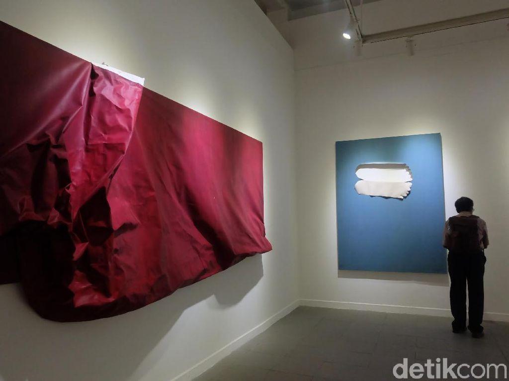 Cerita Ugo Untoro soal Lukisan-lukisan yang Tampak Dilipat
