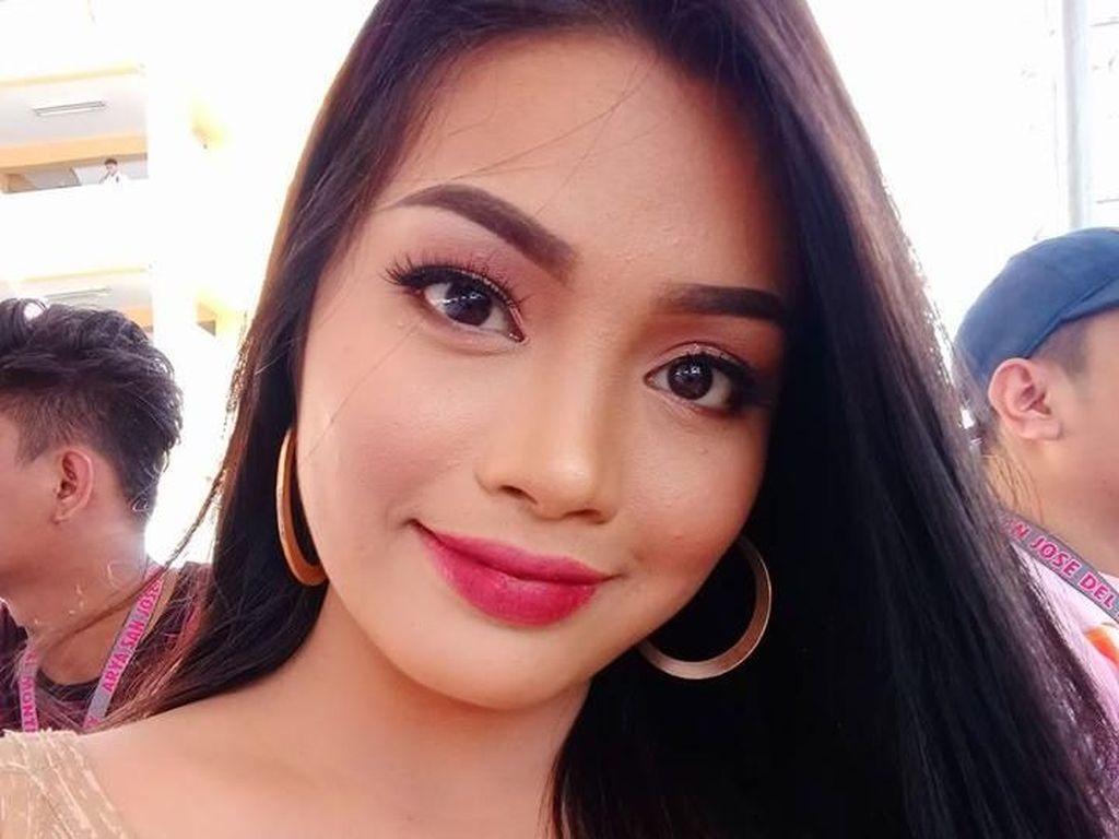 Potret Guru SMA Cantik yang Viral, Netizen Ingin Daftar ke Sekolahnya