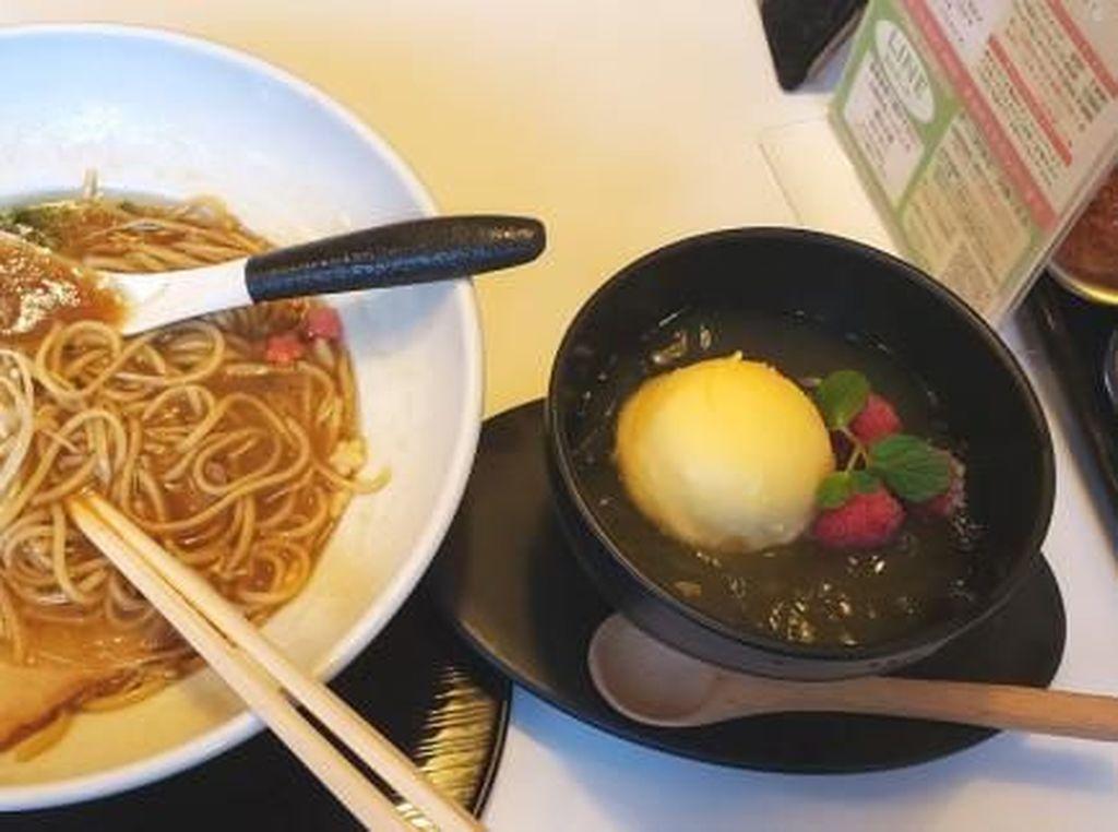 Restoran Ini Tawarkan Sensasi Makan Ramen dan Dessert Bersamaan