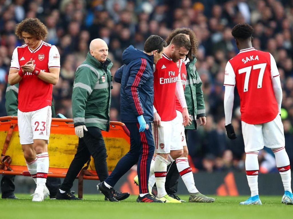 Calum Chambers Cedera, Arsenal Beli Bek Baru?