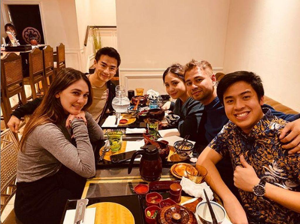 Ketemu Ryochin di Jepang, Raffi Ahmad: Pacarnya Luna Maya Nih!