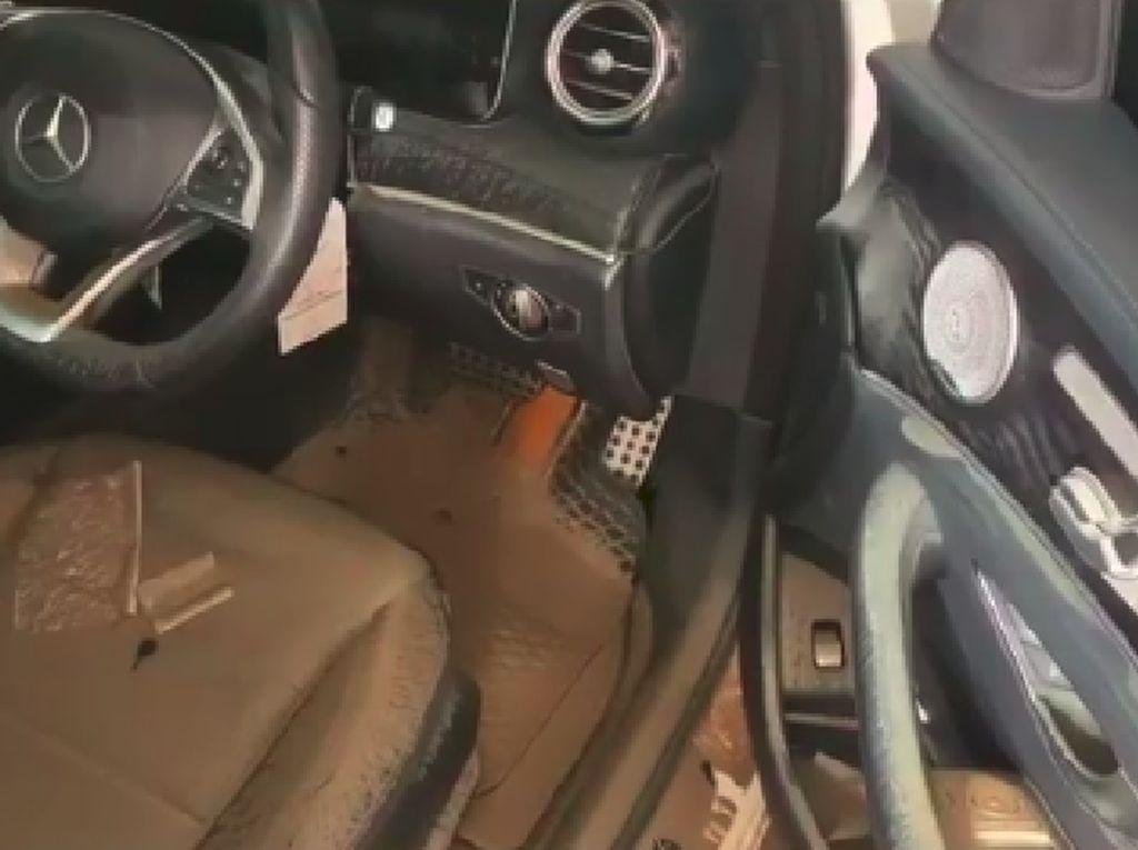 Mercy Hingga Mazda Parto Terendam Banjir, Interior Berlumpur