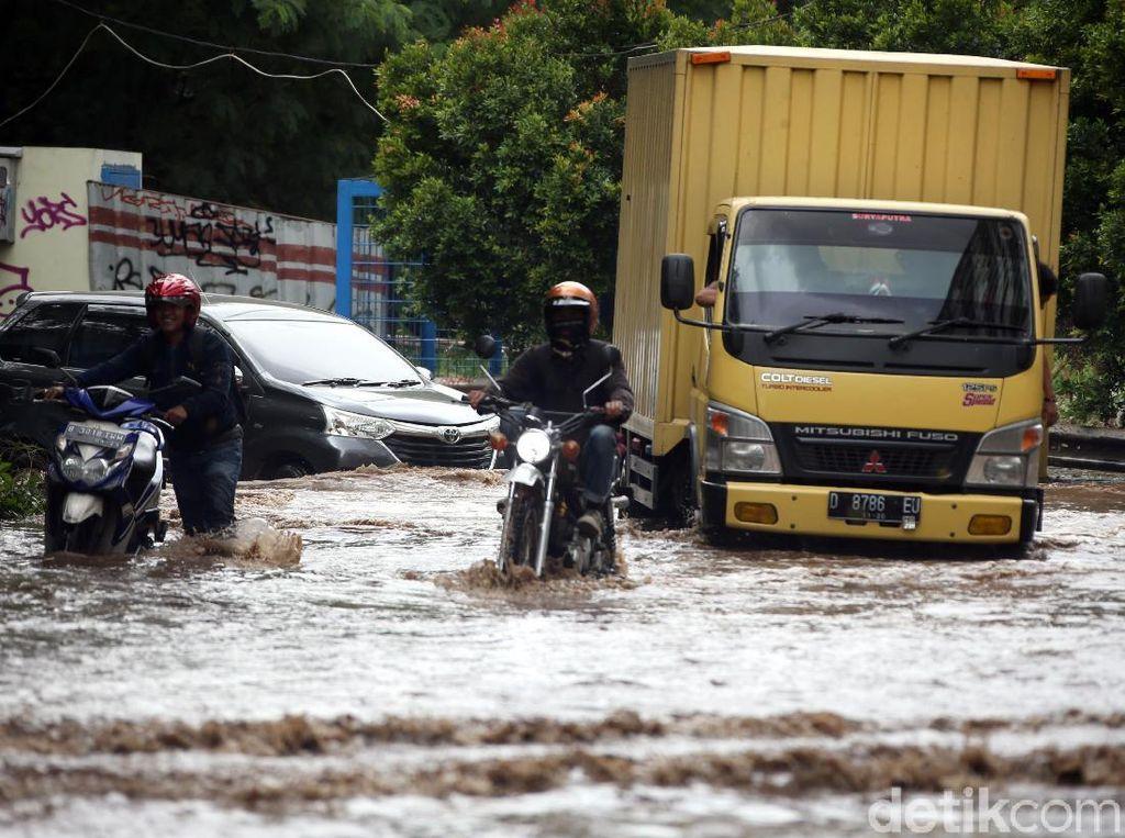 86 Titik Tanggul di Sepanjang Kali Bekasi Jebol Diterjang Banjir