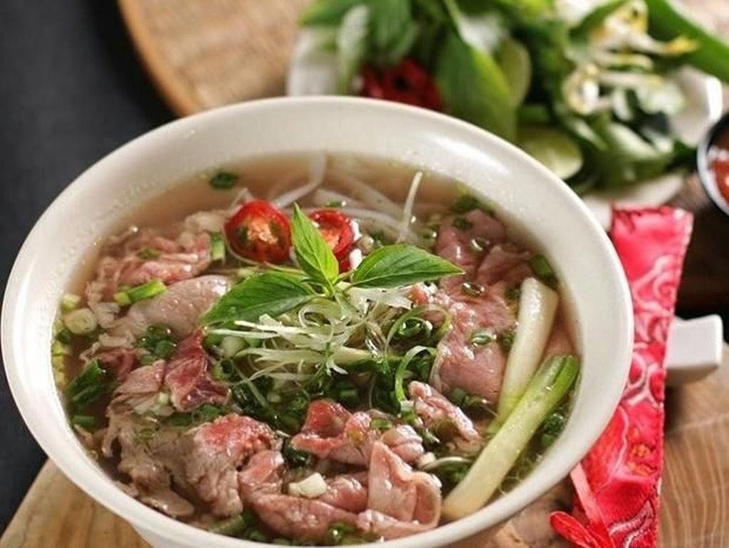 5 Tempat Makan Pho Enak yang Bisa Hangatkan Tubuh Siang Ini