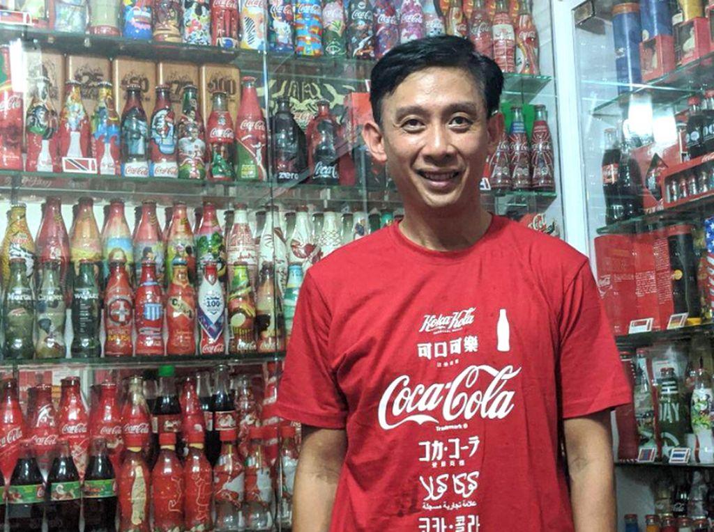 Tak Mau Hitung Lagi, Kolektor Botol Coca-Cola Ini Sudah Habiskan Rp 515 Juta