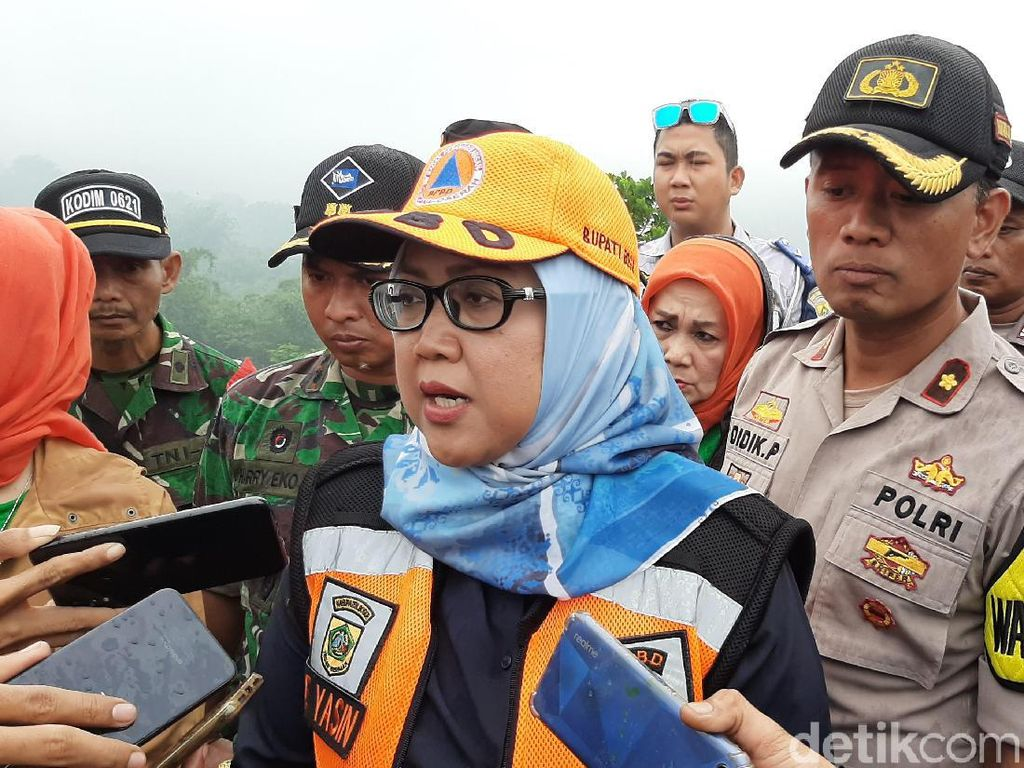 Bupati Bogor: Ada 4 Korban Banjir-Longsor yang Belum Ditemukan