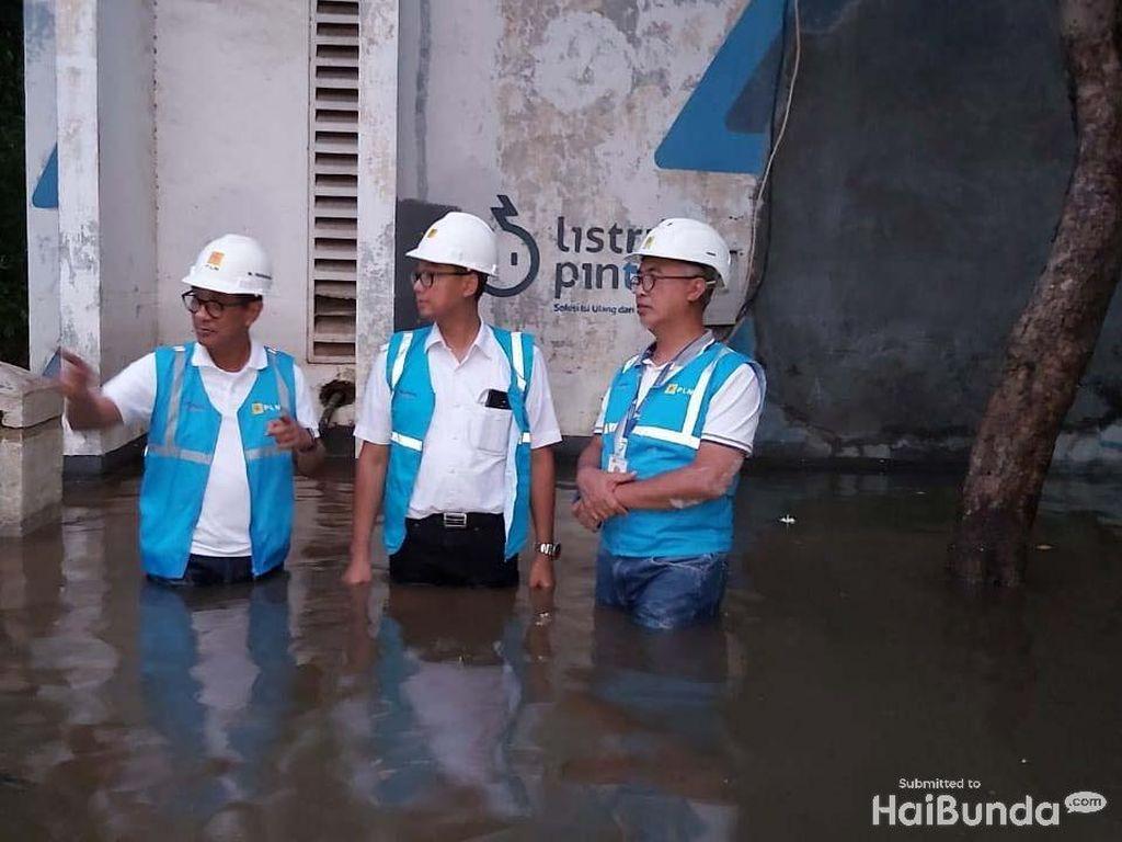 PLN Lakukan Inspeksi Gardu Tergenang Banjir