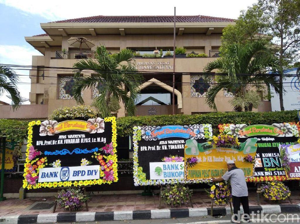 Yunahar Wafat, Kantor PP Muhammadiyah Yogya Dibanjiri Karangan Bunga