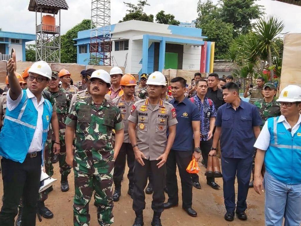 Panglima TNI-Kapolri Pantau Gardu PLN Pascabanjir