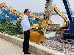Basuki Jelaskan Alasan Jokowi Diam-diam ke Waduk Pluit Tadi Pagi