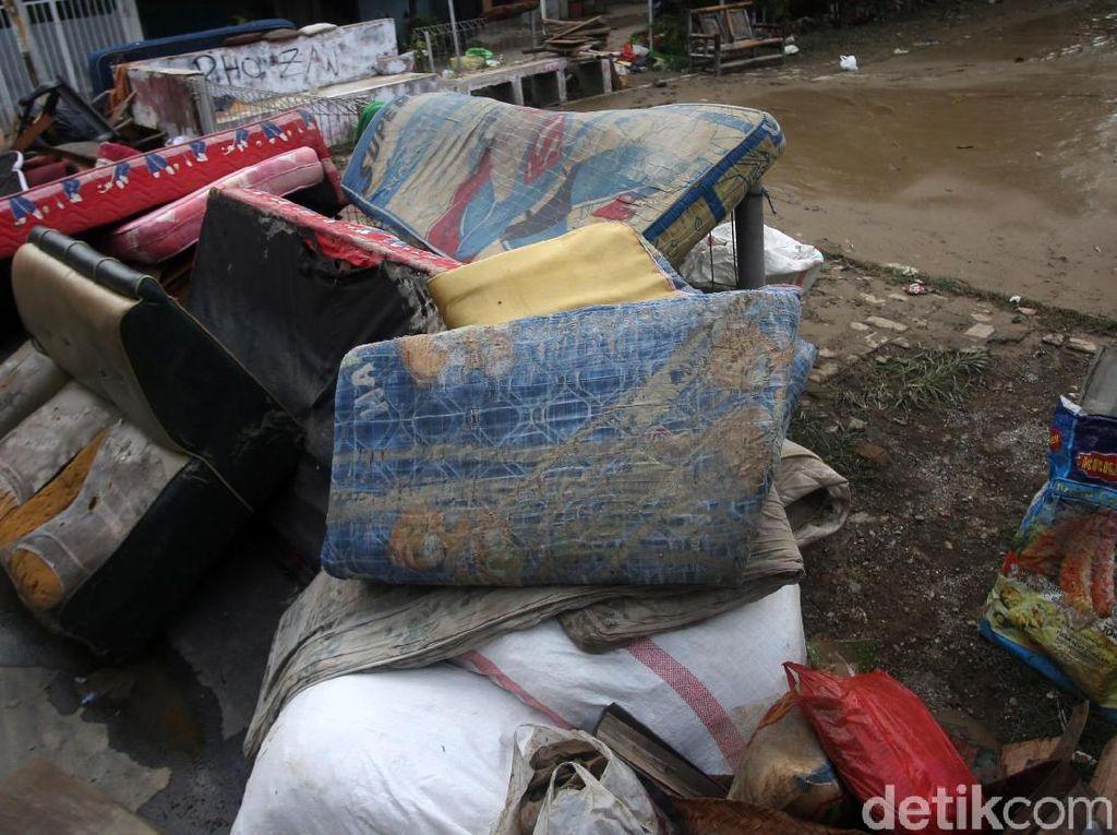 Viral Tips Cuci Kasur Bekas Banjir Pakai Kaporit, Hati-hati Ini Risikonya