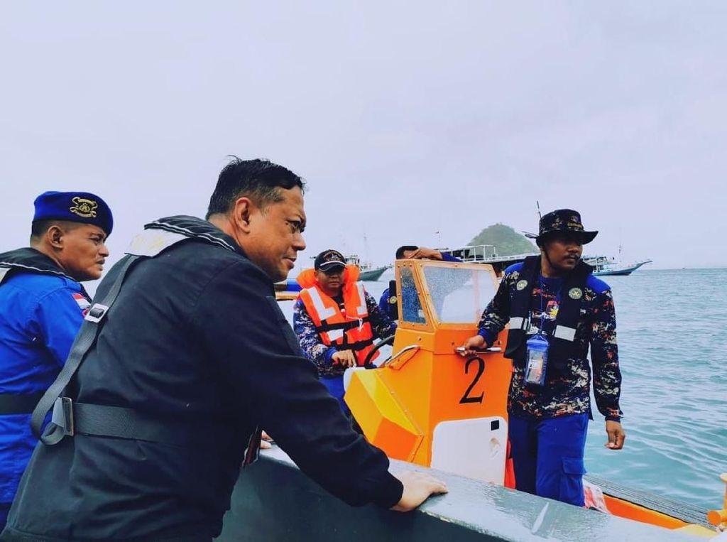 Terjebak Badai di Laut, Kapal Wisata di Labuan Bajo Tenggelam