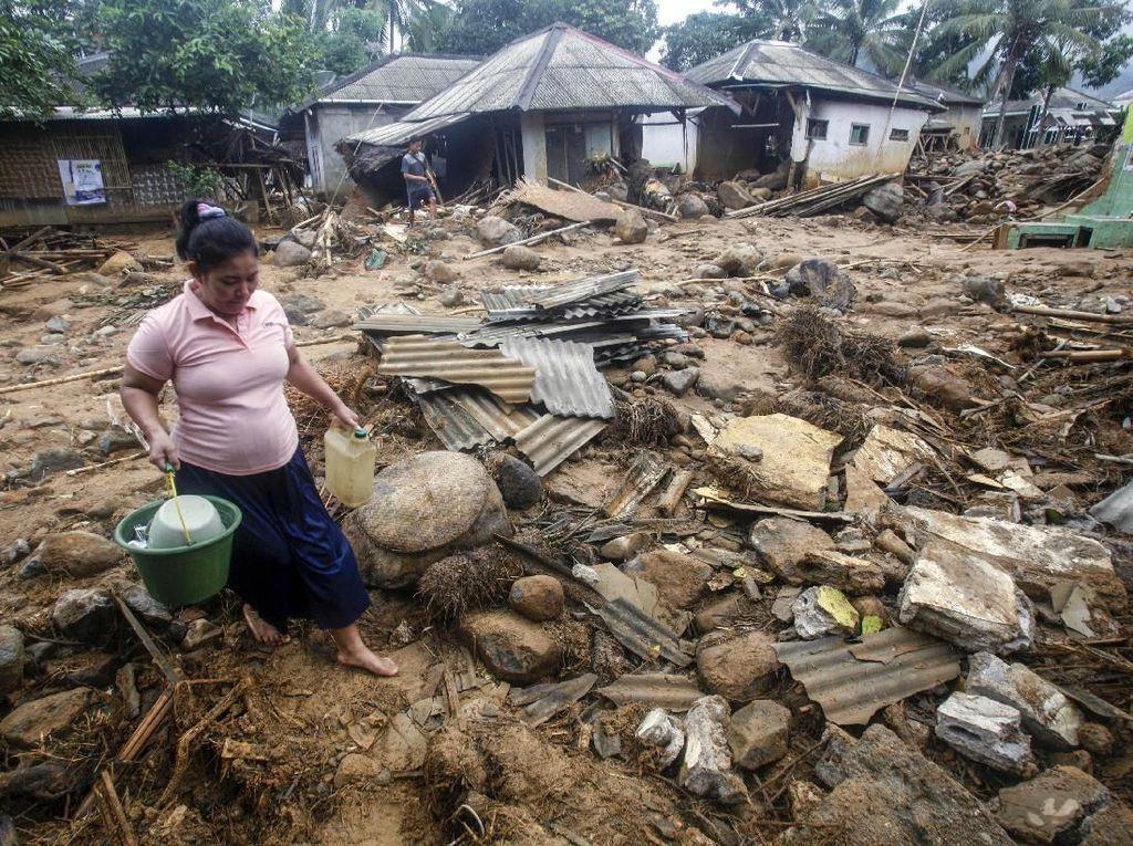 Dampak Kerusakan Longsor dan Banjir Bandang di Bogor