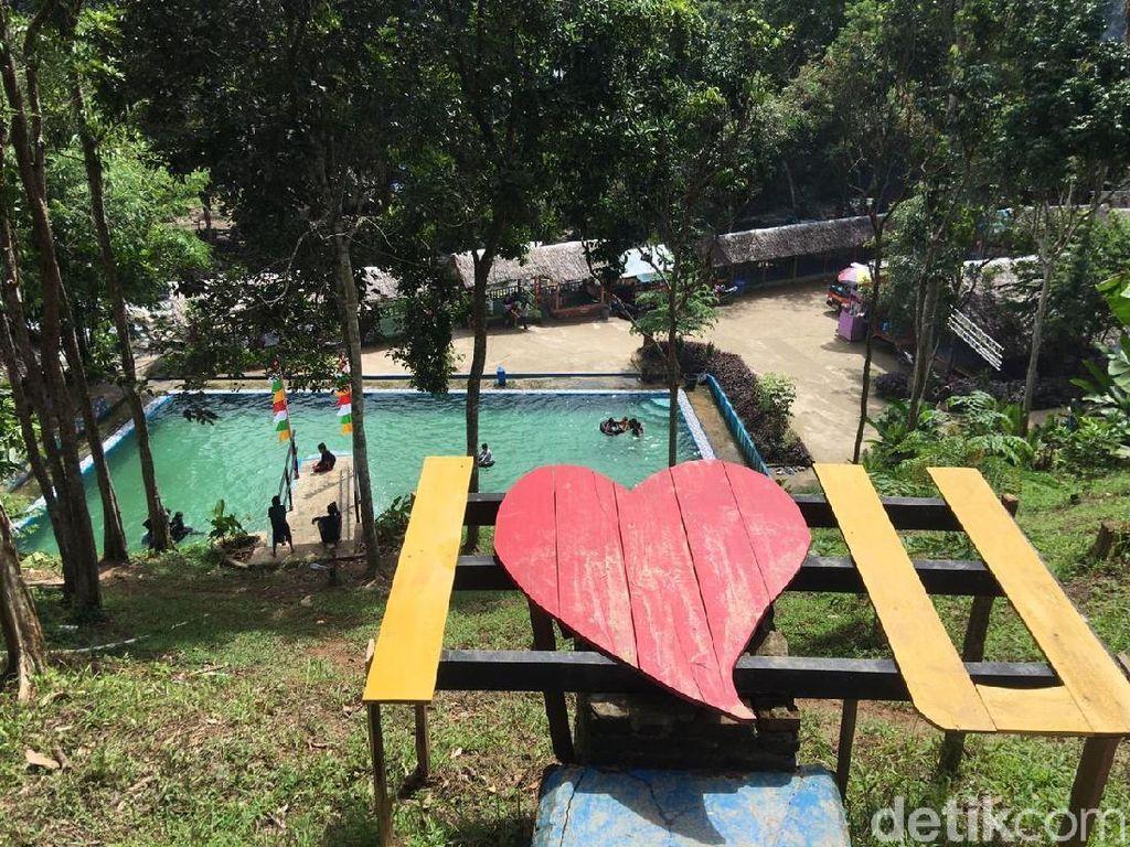 Kali Biru, Spot Instagramable Keren dari Sulawesi Barat