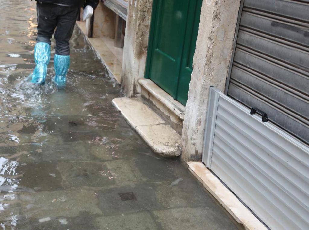 Hujan Sejak Dini Hari, Genangan Terjadi di Sejumlah Titik di Bekasi