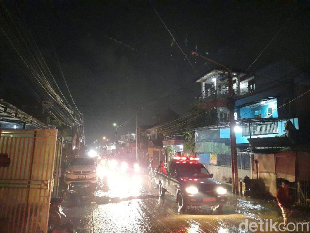 Aliran Listrik di Pondok Gede Permai Kembali Normal Usai Banjir