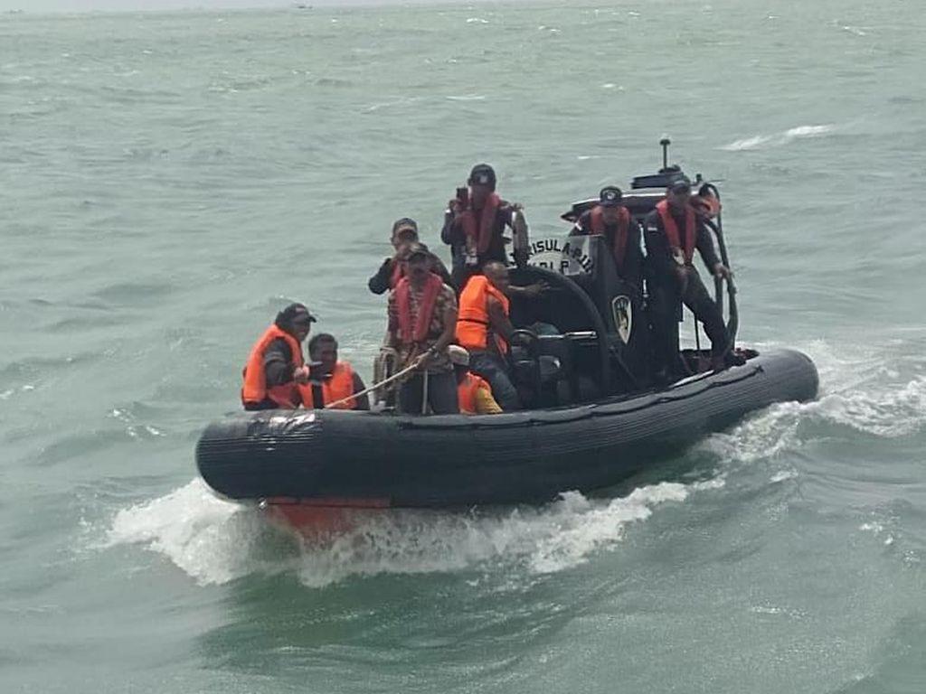 Kemenhub Evakuasi Kapal KM Permata Biru yang Karam di Laut Sumsel