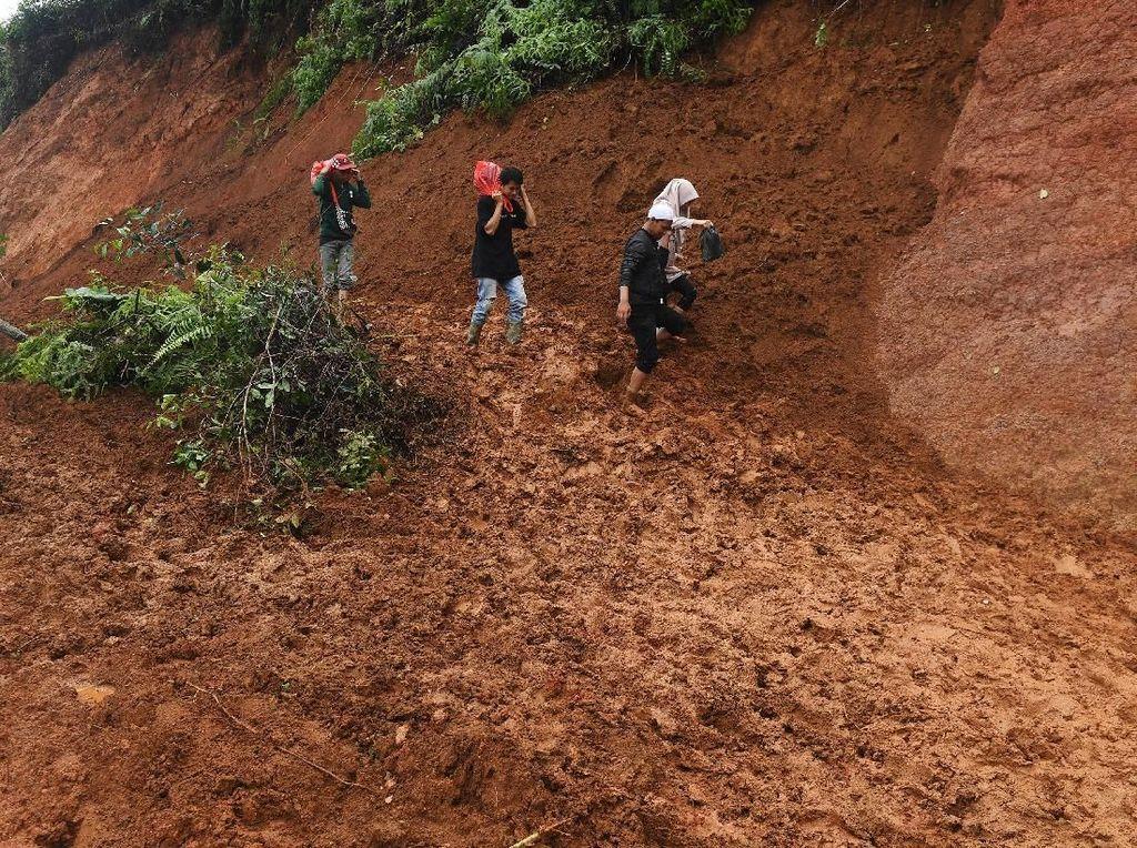 8 Orang Tewas dan 4 Warga Hilang Akibat Banjir-Longsor di Bogor