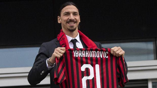 Zlatan Ibrahimovic memilih kembai ke AC Milan tengah musim ini. (