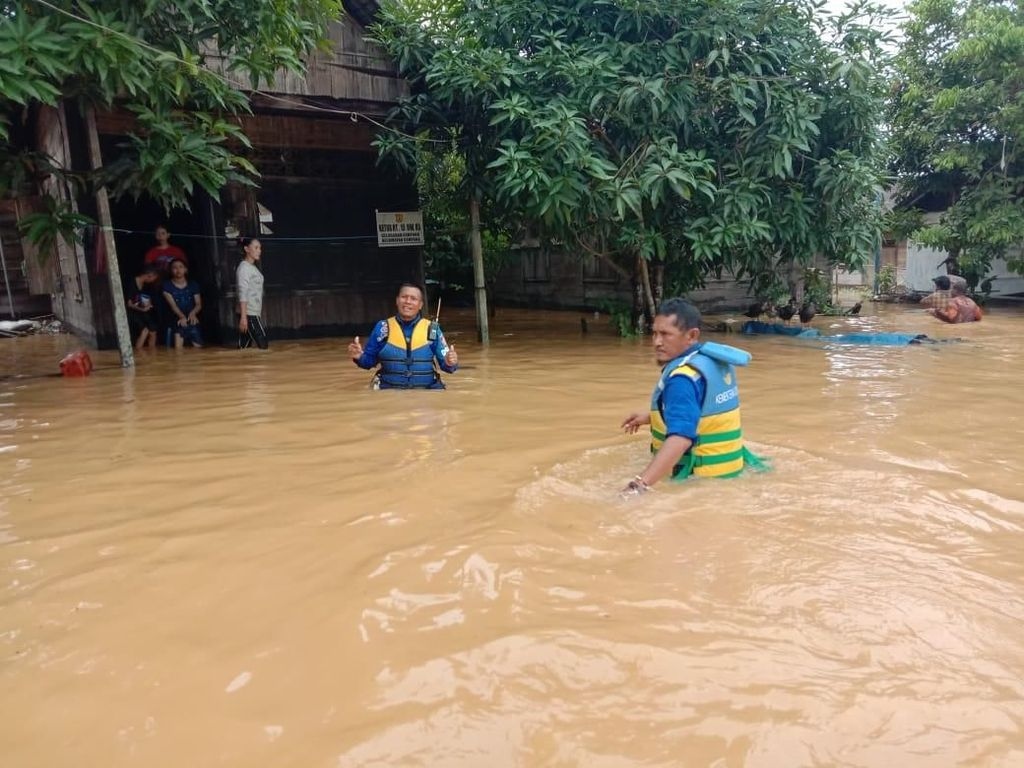 Banjir dan Anomali Kebijakan