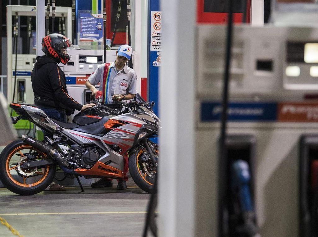 New Normal, Isi BBM di SPBU Pertamina Harus Turun dari Motor