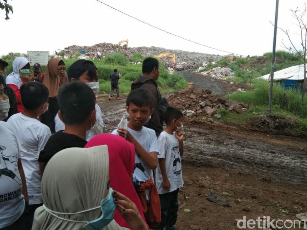 Tutup Masa Liburan, Puluhan Anak di Cianjur Berwisata Ke Tempat Sampah