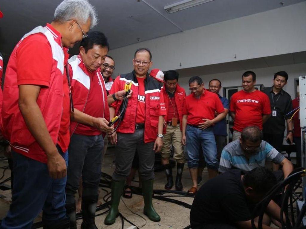 Jurus Telkom Agar Tetap On Saat Diterjang Banjir