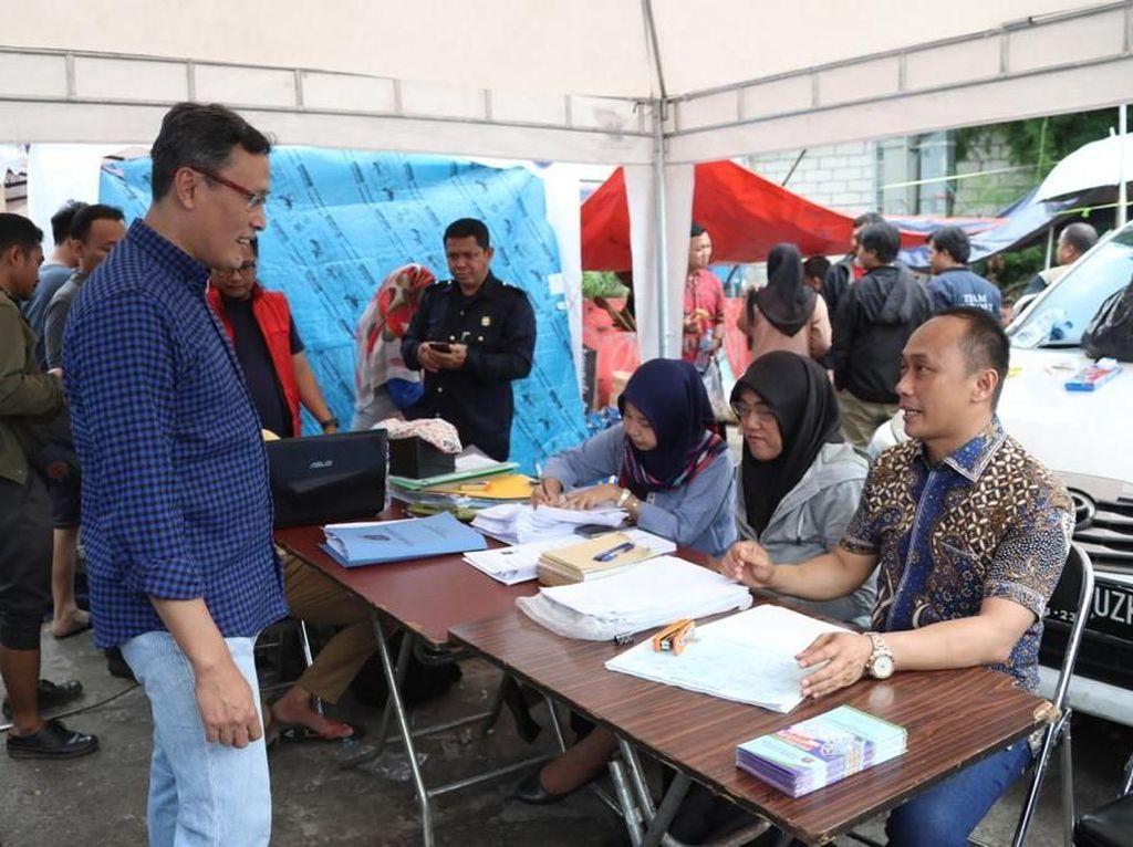 Dukcapil Ganti e-KTP-KK Warga yang Hilang karena Banjir Secara Gratis