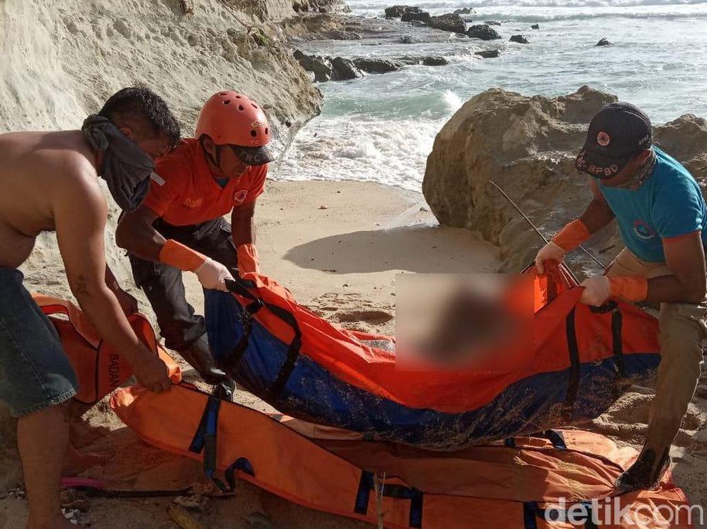 Sesosok Mayat Pria Ditemukan di Pantai Desa Widoro Pacitan